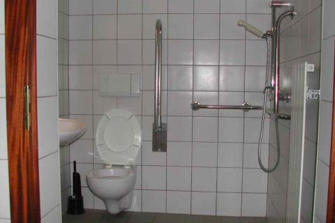 Handicapes-WC-douche